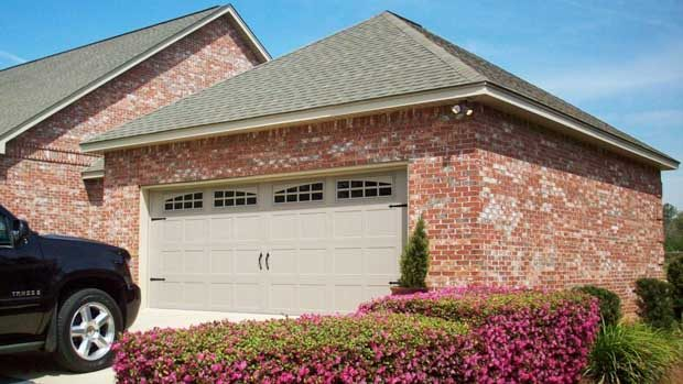 quality-doors-residential-and-commercial-overhead-doors-3